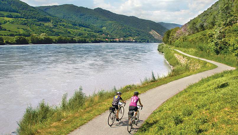 Bzaqf-czechrepublic-biking-2